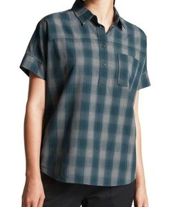Women north face tanami shirt.